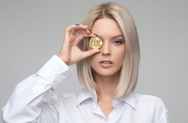 بیت کوین یا ارز دیجیتال چیست؟ روش های سودآوری و درآمد دلاری
