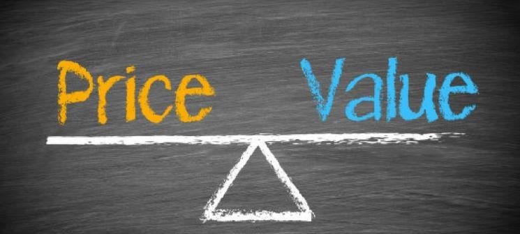 تفاوت قیمت و ارزش واقعی سهم